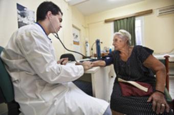 ギリシャ:財政危機の犠牲にされる医療の現状