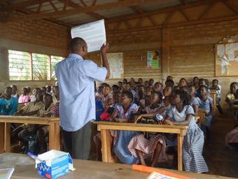 エボラ出血熱から生還した医療者の証言と活動