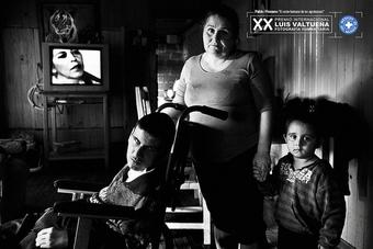 第20回ルイス・ヴァルチュエナ人道写真国際賞コンクール:ロシアの写真家セルゲイ・ストロイテレフ氏 (Sergei Stroitelev ) に最優秀賞