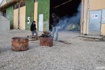 難民キャンプに冬が到来